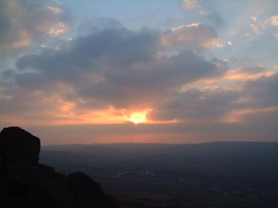 sunset over earl crag